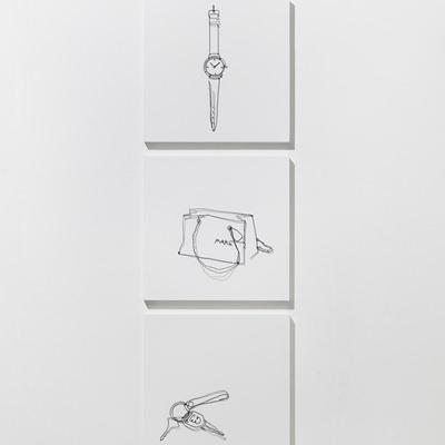 [A0767-0010] A watch, A shopping bag, A key
